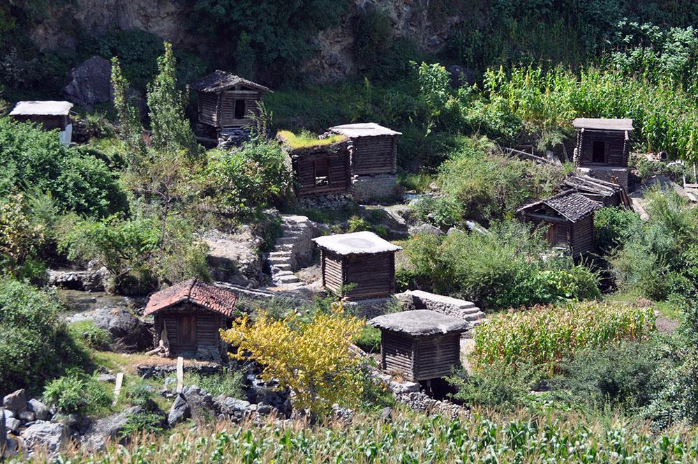 俄亚大村的水磨房。张国华 摄DSC_7938_.jpg