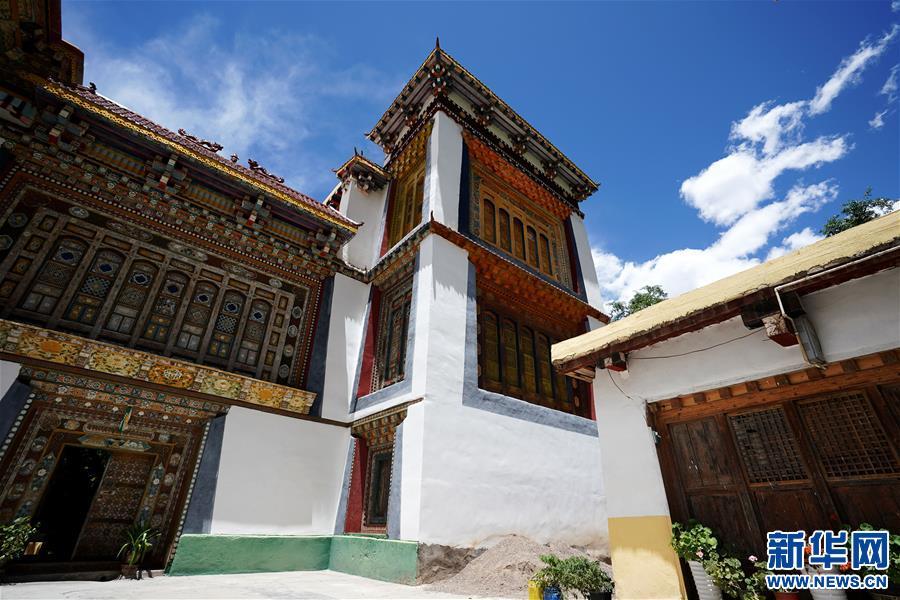 (美丽中国)(1)怒江峡谷沿岸的建筑瑰宝——东坝民居