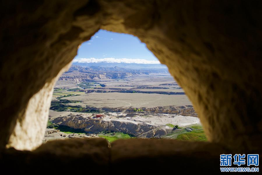 (美丽中国)(2)探访神秘的西藏古格王国遗址