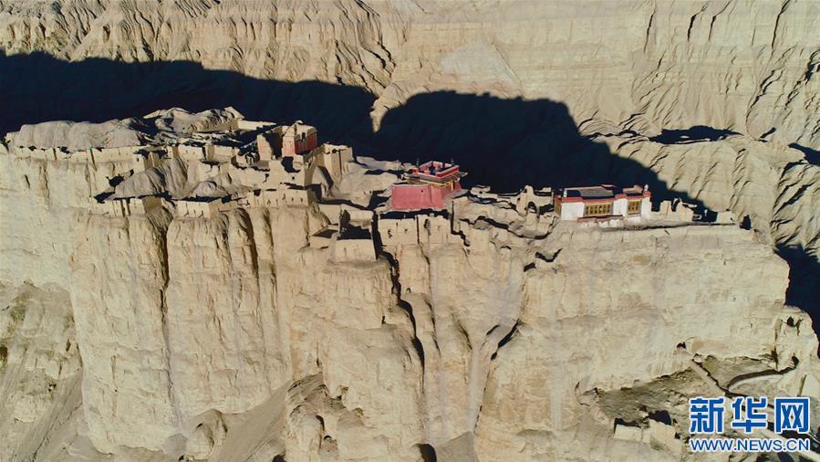 (美丽中国)(4)探访神秘的西藏古格王国遗址