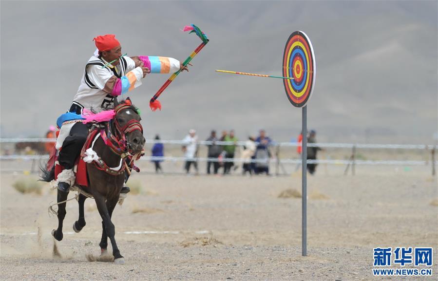 (体育)(14)西藏阿里举行赛马竞技大赛