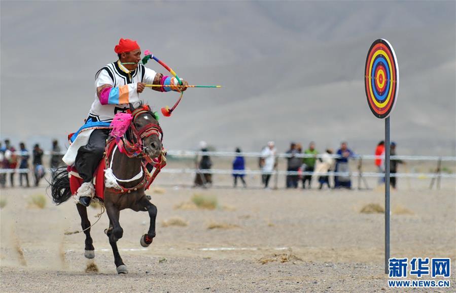 (体育)(18)西藏阿里举行赛马竞技大赛