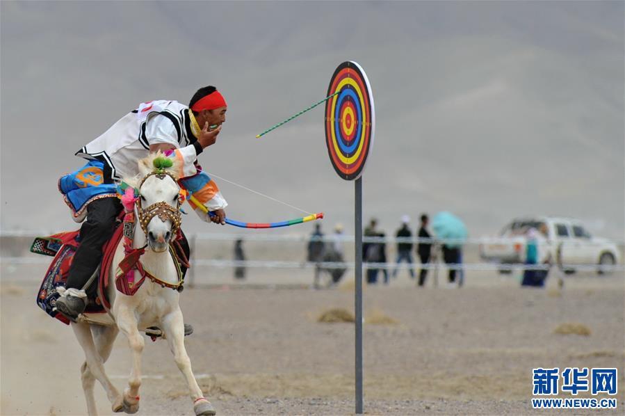 (体育)(19)西藏阿里举行赛马竞技大赛