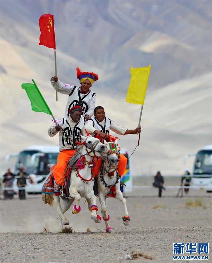 (体育)(20)西藏阿里举行赛马竞技大赛