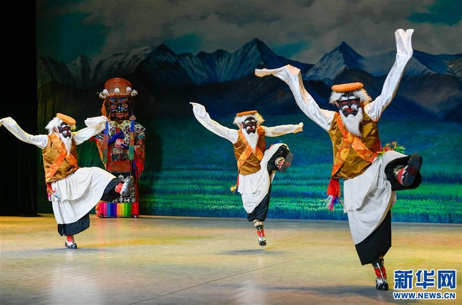 (文化)(4)藏戏面具晚会在拉萨公演
