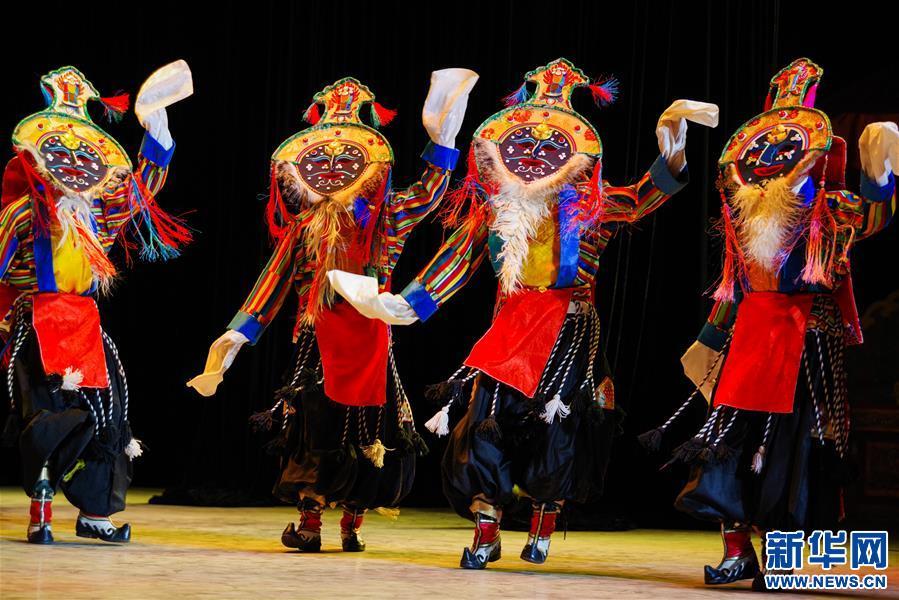 (文化)(6)藏戏面具晚会在拉萨公演