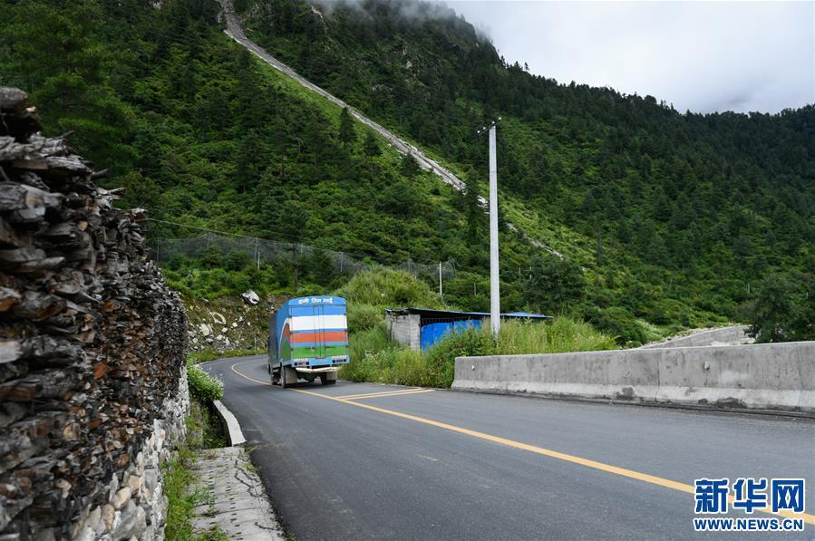 (经济)(6)西藏吉隆:中尼古道换新颜