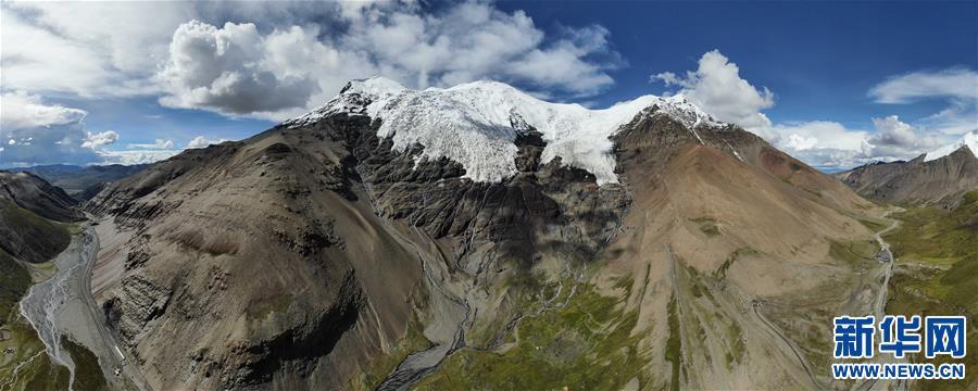 (美丽中国)(1)公路边的卡若拉冰川
