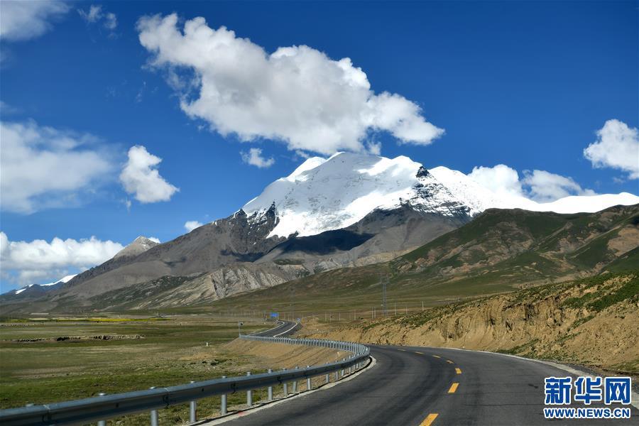 (美丽中国)(2)公路边的卡若拉冰川