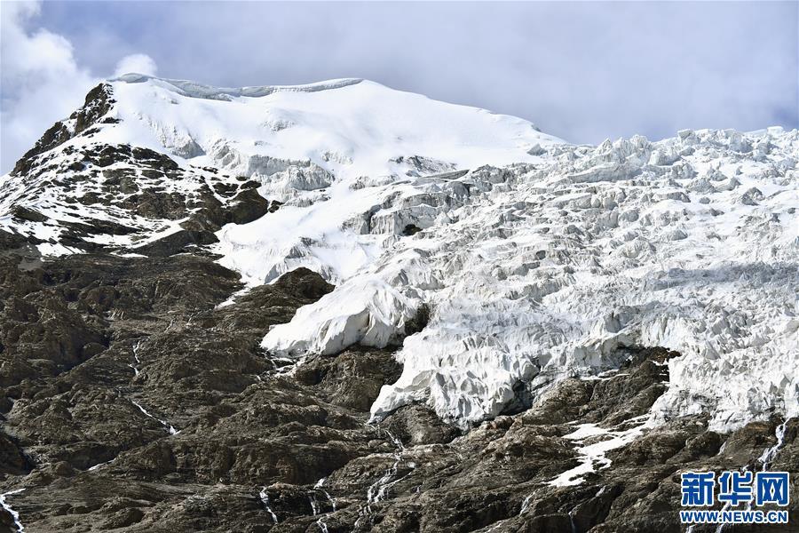 (美丽中国)(8)公路边的卡若拉冰川