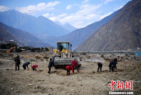 """甘孜藏区步入""""高速公路时代""""挑战与机遇并存"""