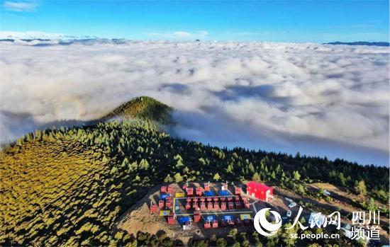 雅江县无人机项目基地(图片由雅江县委宣传部提供)