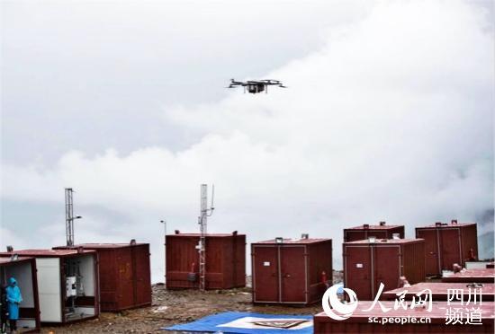 四川甘孜雅江县引入无人机运输,拓宽群众致富增收新渠道。(图片由雅江县委宣传部提供)