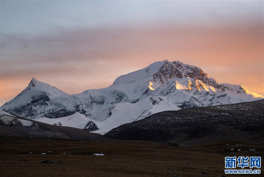 (美丽中国)(1)夕阳下的希夏邦马峰