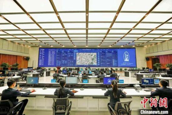 图为青海省西宁市城市运行管理指挥中心的指挥大厅。西宁市城市运行管理指挥中心供图