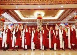 """藏传佛教第十四届""""拓然巴""""高级学衔授予仪式举行,20位学僧喜获殊荣!"""