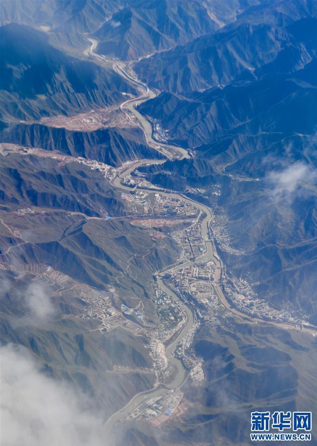 (美丽中国)(1)西藏:空中的美景长廊
