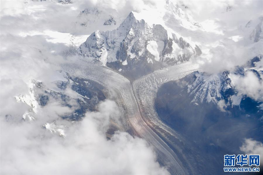 (美丽中国)(5)西藏:空中的美景长廊