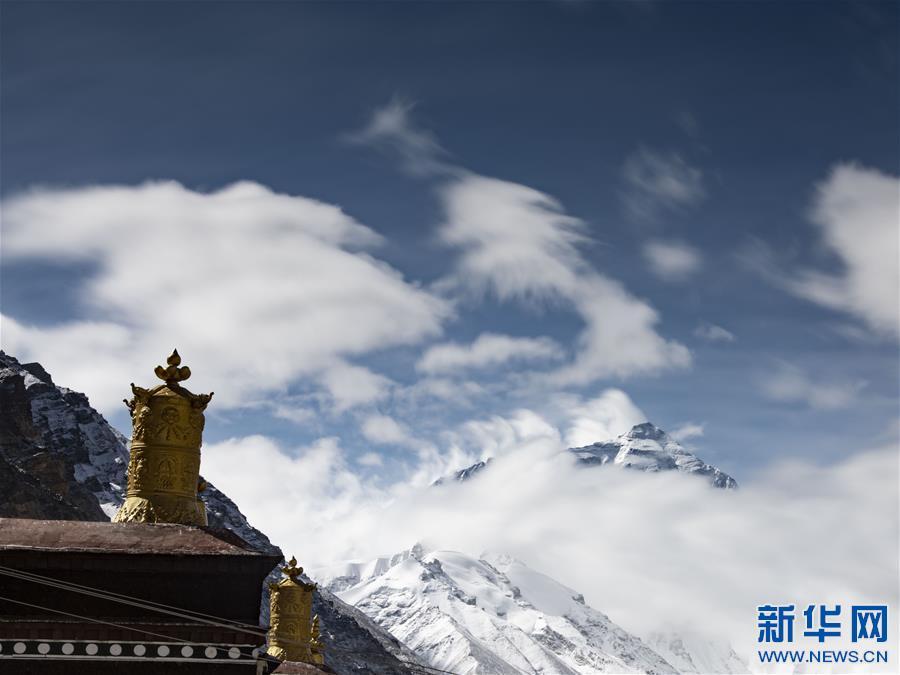 (2020珠峰高程测量·新华视界)(15)看珠峰云卷云舒 观巅峰千姿百态