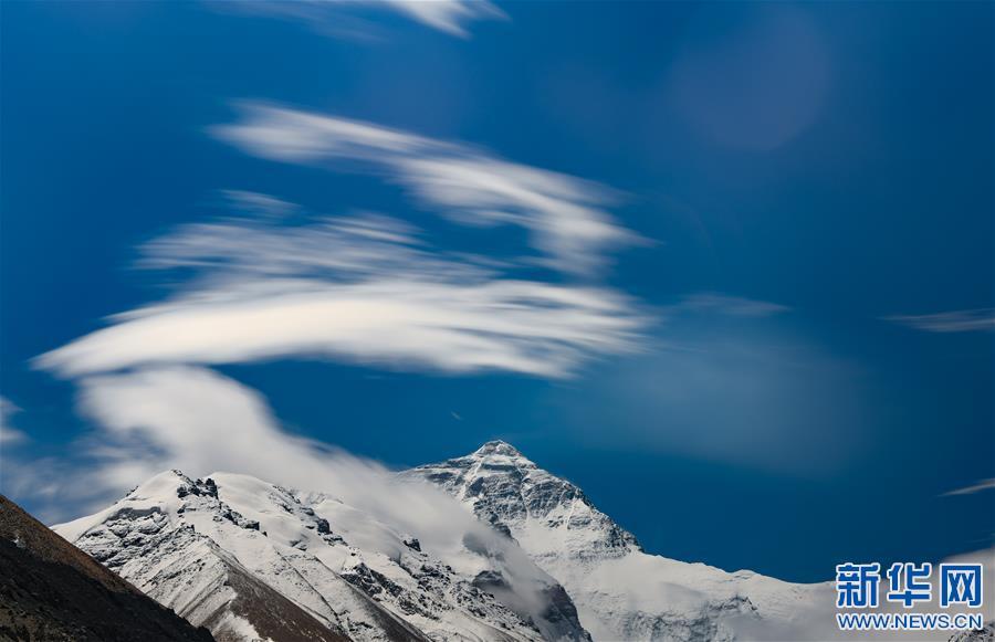 (2020珠峰高程测量·新华视界)(10)看珠峰云卷云舒 观巅峰千姿百态