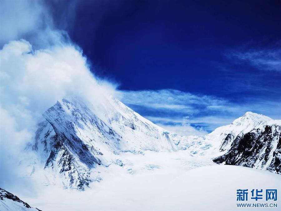 (2020珠峰高程测量·新华视界)(20)看珠峰云卷云舒 观巅峰千姿百态