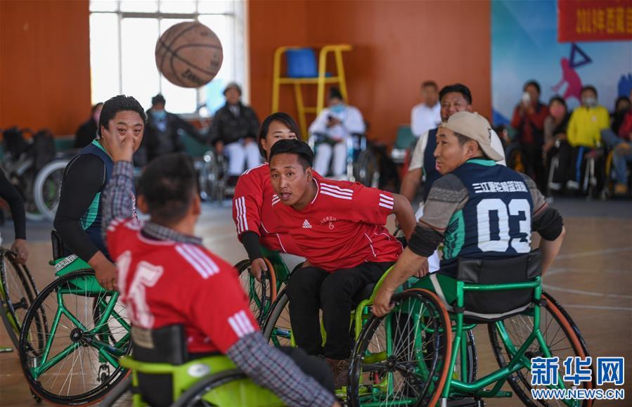 (体育)(2)高原上的轮椅篮球友谊赛