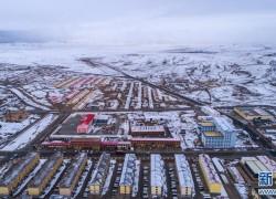 航拍:青海省玛多县四月雪景美如画