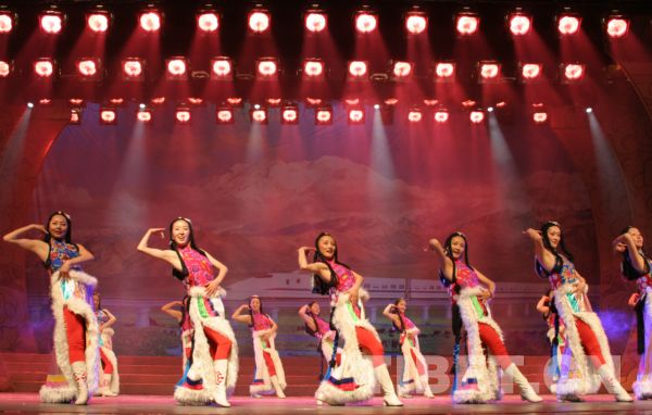 藏族舞蹈女生发型分享展示图片