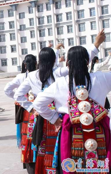 海南藏族服饰_海南藏族服饰中国发展门户网
