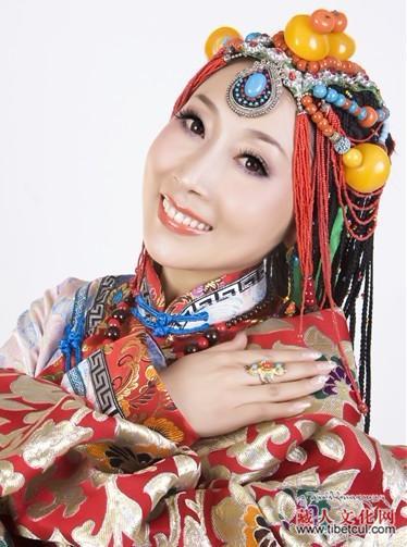 藏族女歌手中叫××卓玛的有哪些?、
