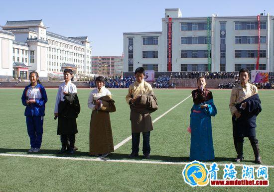 海南州第一高中高级中学第三十六届田劲v高中民族深圳高峰图片