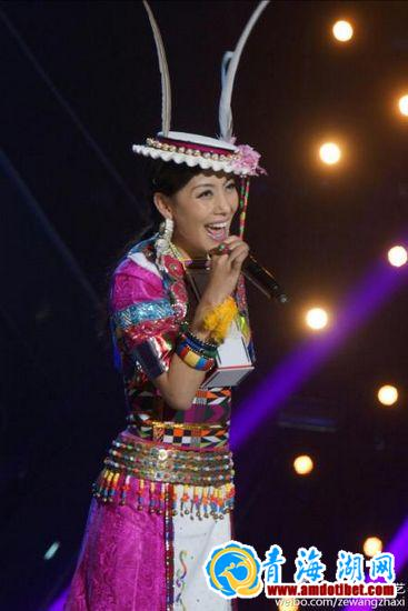 达娃卓玛在录制现场-中国藏族网通-图库