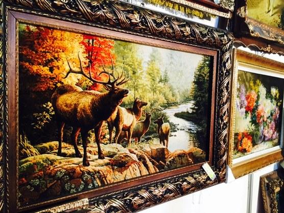 动物,美景,山水,不同于青海藏毯传统的花纹图案,国外展馆里的地毯风格